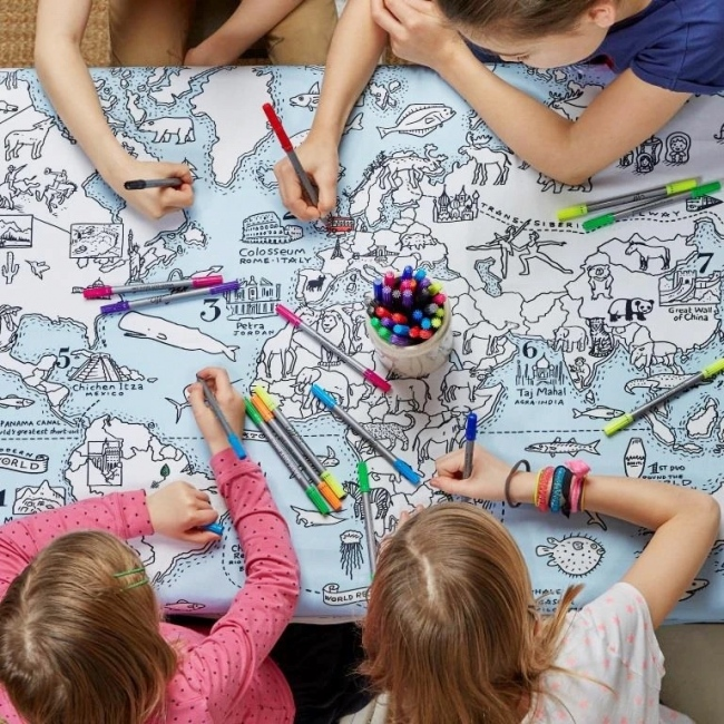 New Colour In World Map Table Cloth