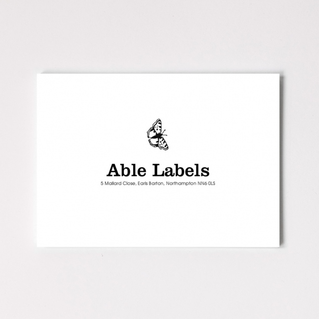 Classic Centred Serif & Motif Correspondence Cards